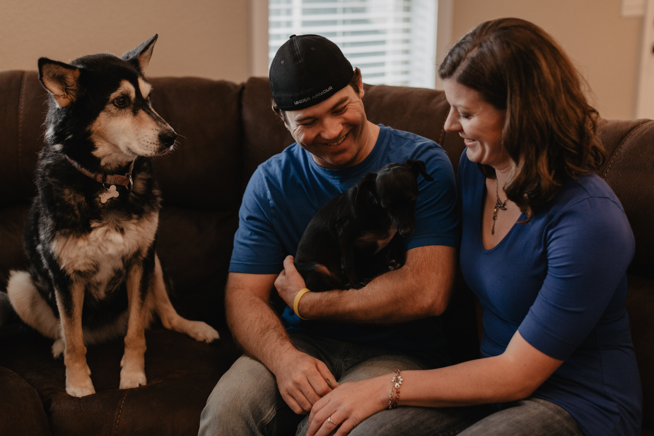 Lifestyle engagement photos at home | Knoxville wedding photogra