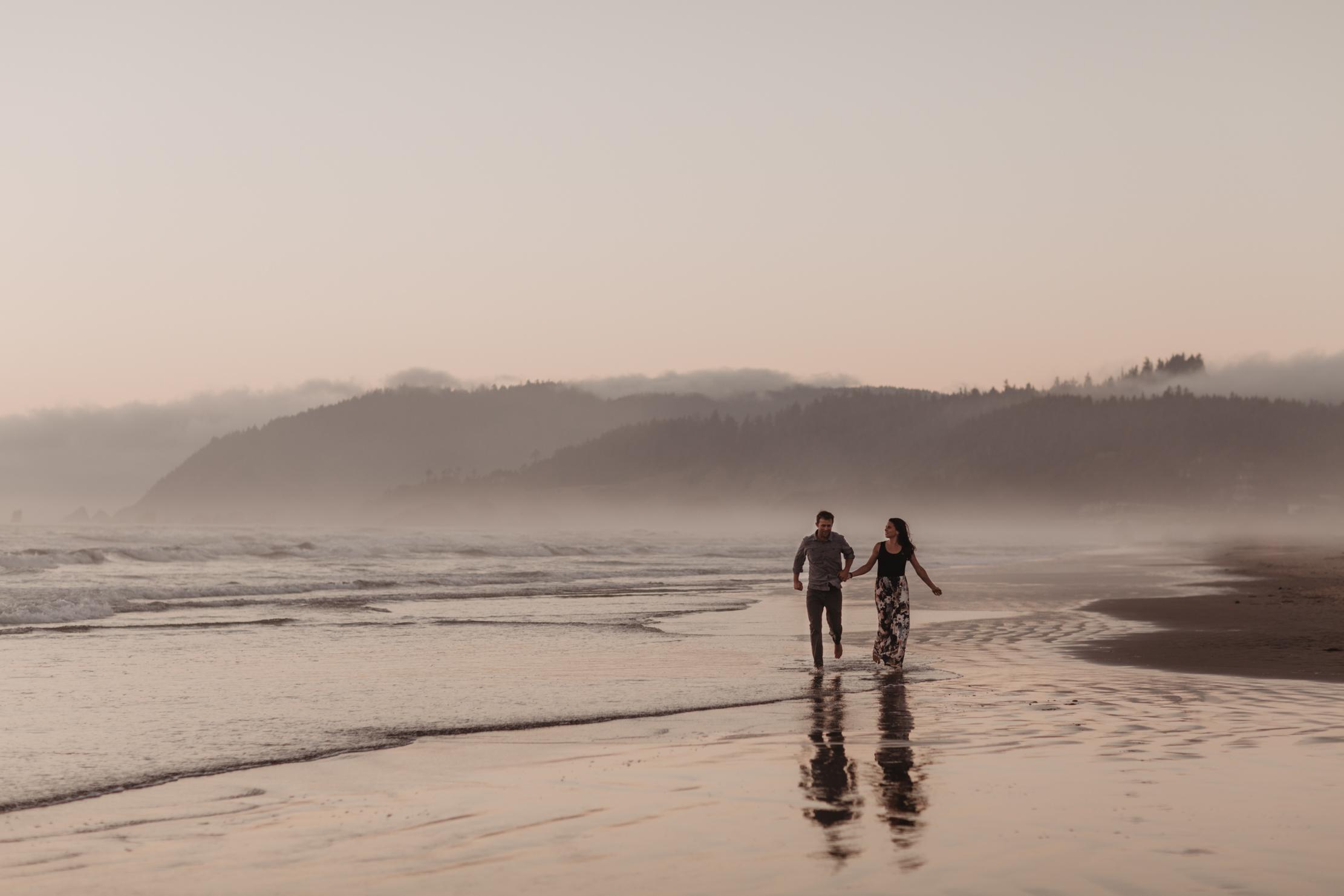 Cannon Beach, Oregon | Adventure Wedding Photographer | Elopemen