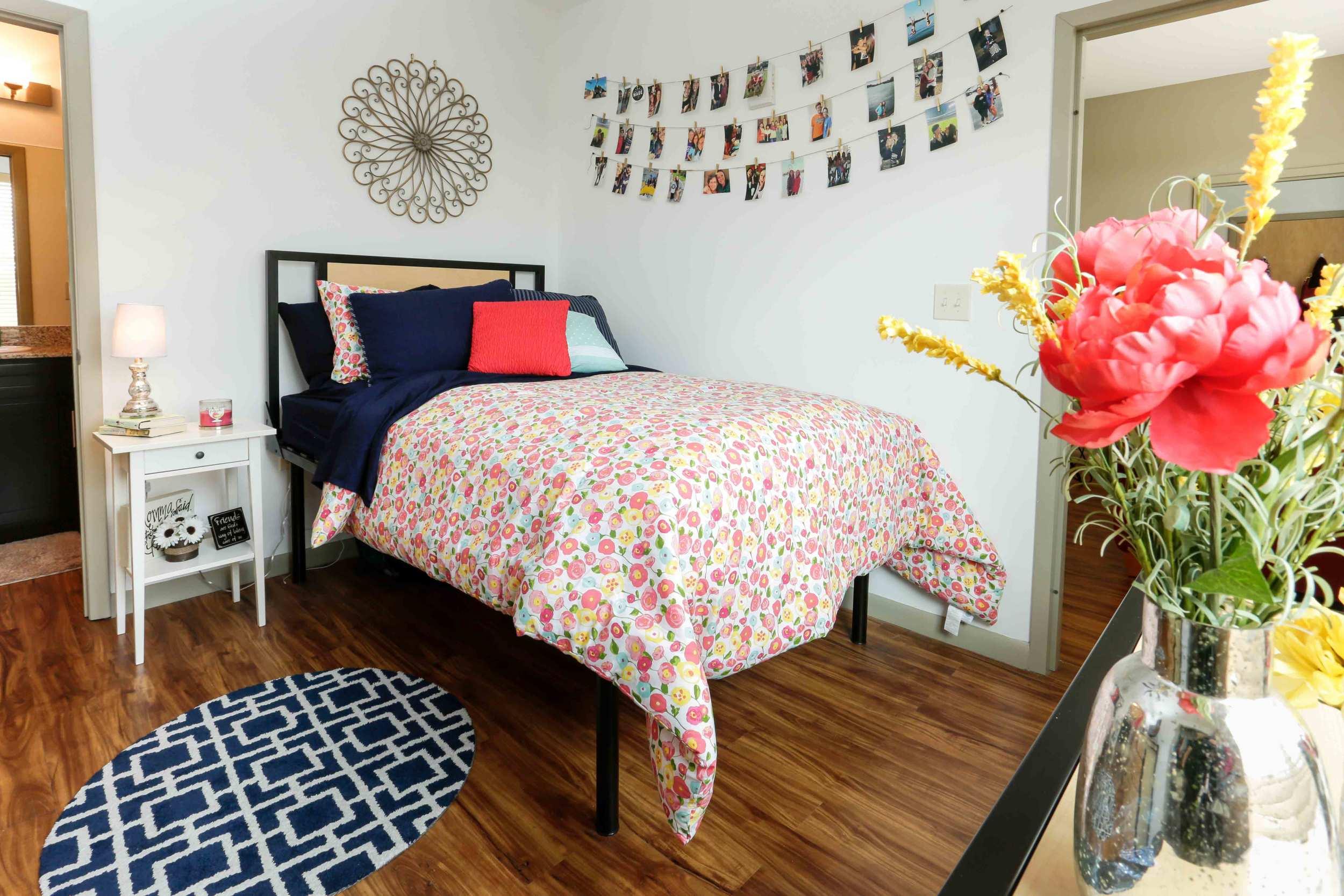 Tattnall-Square-Bedroom5.jpg
