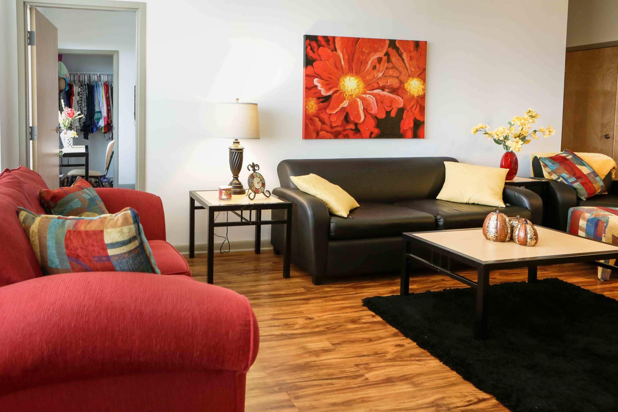 Tattnall-Square-Living-Room2.jpg
