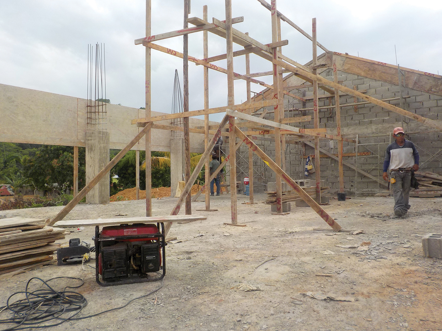 The entire construction of this new church is accomplished through local employment providing jobs to Dominicans. Due to our long-term vision to raise a generation of Christian leaders, this church will be a place for children and families to grow spiritually.