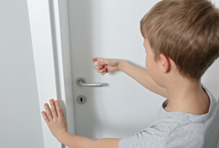 Blog.Mommy Does Not Talk Through the Bathroom Door design (2).png