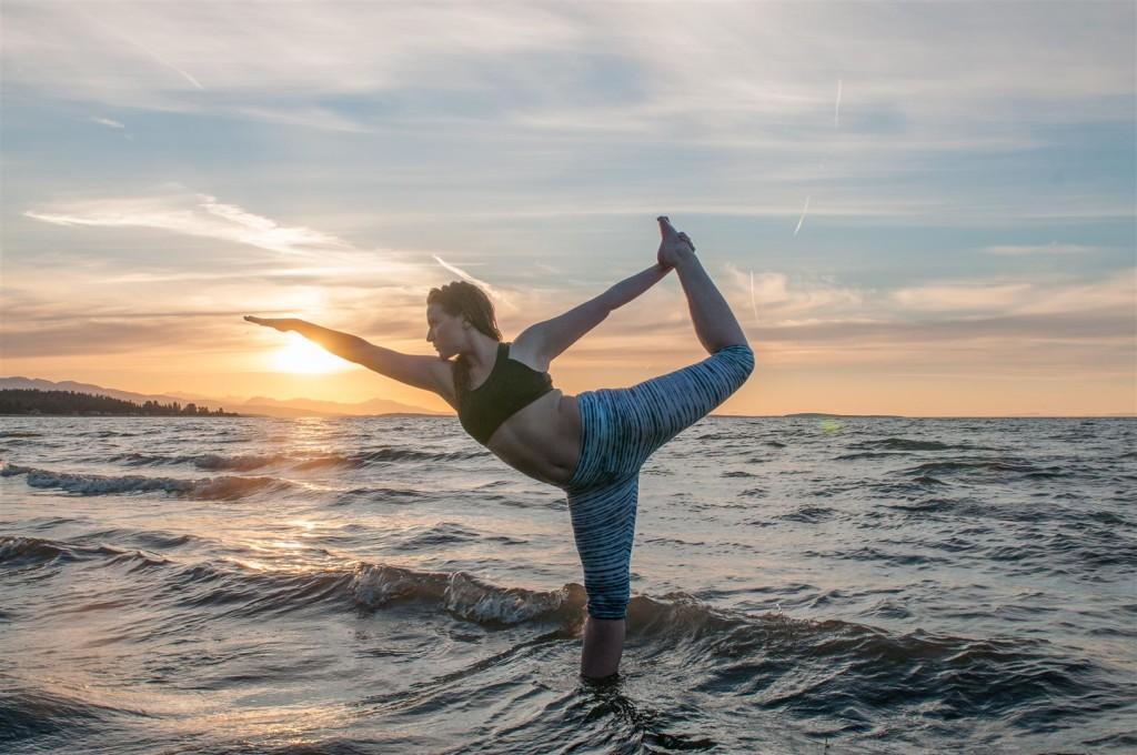 standing bow yoga pose