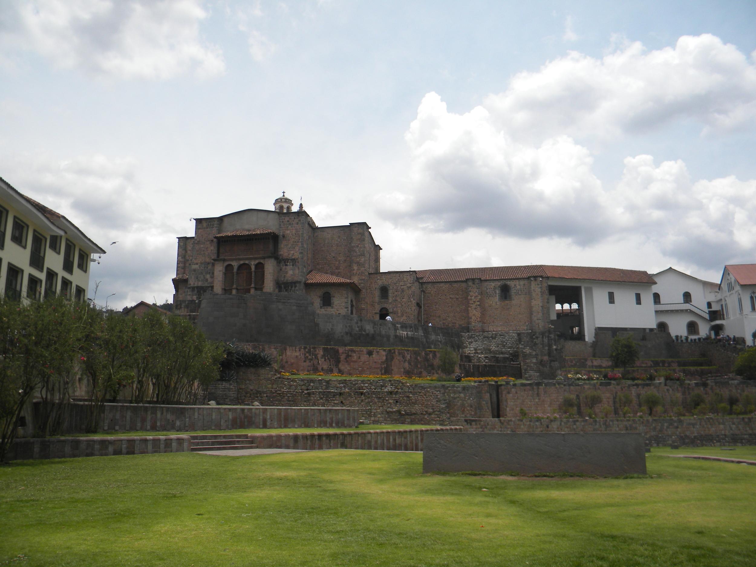 El Convento de San Domingo, Avenida del Sol, Cusco
