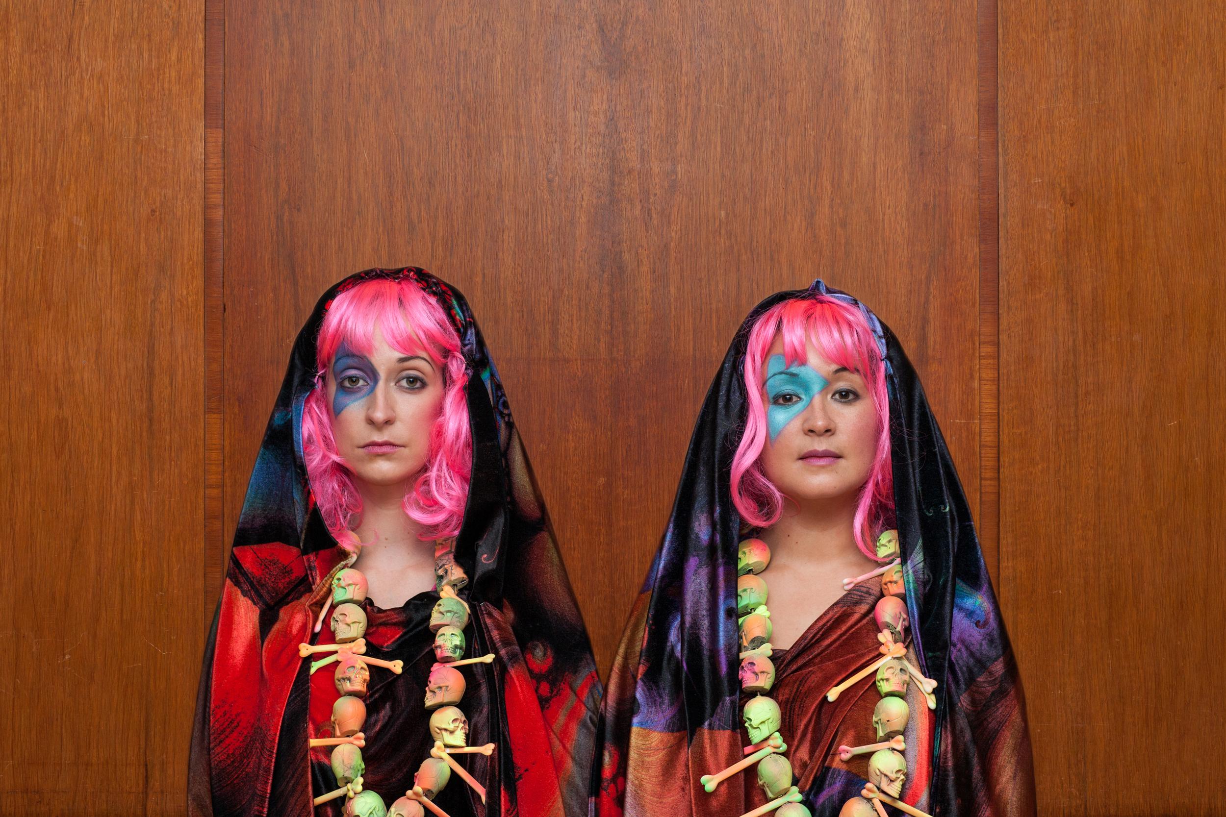 yeti's_demon_dive_bar_psychedelic_nuns_by_steve_gregson_press.jpg
