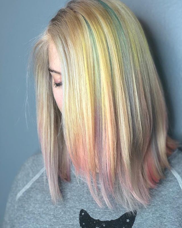 Iridescent pastel rainbow goodness 🌈 ✨🌈 . . . . . . . #tashadoeshair #tashapaintedit #rainbowhair #pastelhair #hairbrained_official #crafthairdresser #crafthaircolor #mainecolorspecialist #mainevividspecialist #mainehairstylist #mainehair #portlandmaine #newengland #newenglandhair #springsprangsprung #evohair