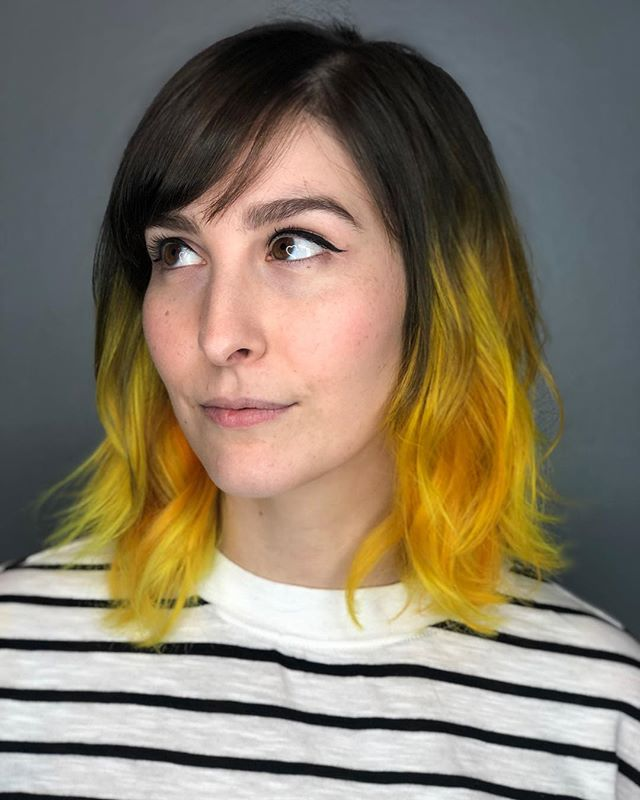 💛🏆🍌🍋☀️🐥🌻 Yellow hair is the best, esp when you're painting with @evohair on a babe like @shapelypoops 💫 . . . . . . #hairbrained_official #elevatehair #elevatecolor #crafthairdresser #crafthaircolor #tashapaintedit #tashadoeshair #yellow #yellowhair #mainecolorspecialist #mainevividspecialist #mainehairstylist #portlandmaine #portland colorspecialist #evohair #newenglandhair #springdamnit