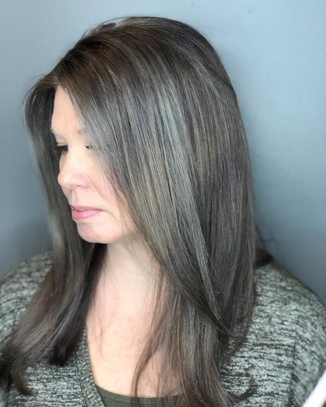 Helping Melanie grow out her natural gray in a graceful way! This process isn't easy or perfect, but our goal was to get rid of the existing chocolates brown base, adding in gray and silver while leaving her regrowth alone so it can all grow in, and I think the results are lovely! . . . . . #tashadoeshair #tashapaintedit #portlandmaine #mainecolorspecialist #mainevividspecialist #mainehairstylist #mainehair #newenglandhair #hairbrained_official #crafthaircolor #colorcorrection