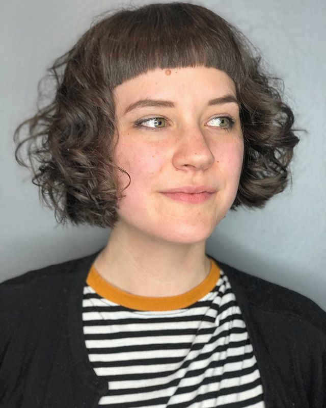 Helping those curls liivvvvveeeee with lots of texturizing and @evohair macgyver + salty dog before diffusing ✨ . . . . . .  #tashadoeshair #tashacutit #hairbrained_official #crafthairdresser #mainehair #mainehairstylist #portlandmaine #mainecurlspecialist #curls #naturaltexture #evohair