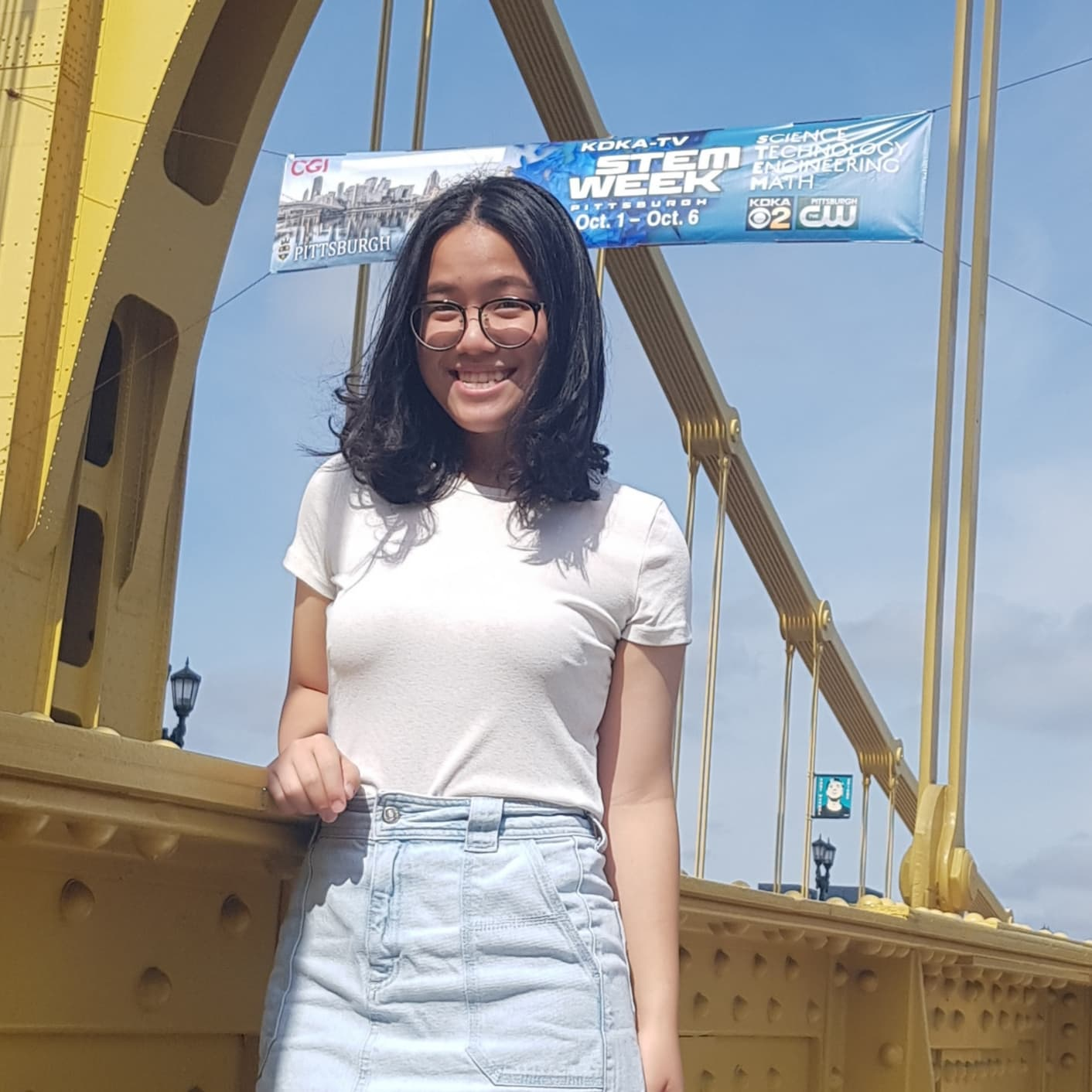 Name : Chanaradee Leelamanthep   Graduation   year : 2023   Majors : Information systems   Interests : I'm interested in working with computer science, art, and psychology.   Project   area : Robotics, web design, and virtual reality   Fun   fact : I'm scared of animals.