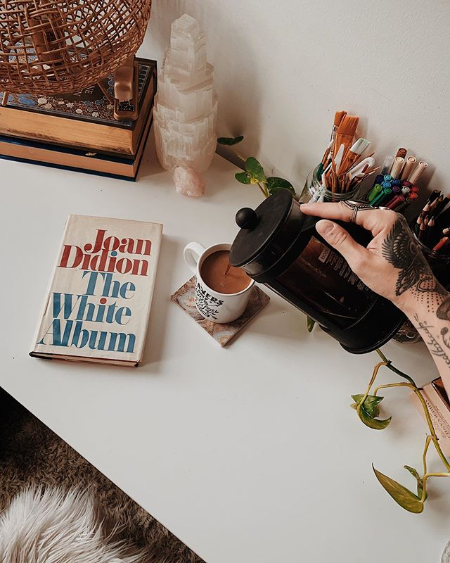 """We tell ourselves stories in order to live."" . . . . . . . . #spilledink #smallstories #littleandbrave #wildandfree #punkymoms #motherhoodunplugged #motherhood #bookstagram #booksbooksbooks #bookdecor #slowliving #simpleliving #minimalist #writersofinstagram #joandidion #coffee #redtempleprayer #cozycoffee"