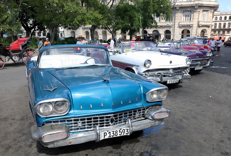Please Pick the Blue Pontiac!