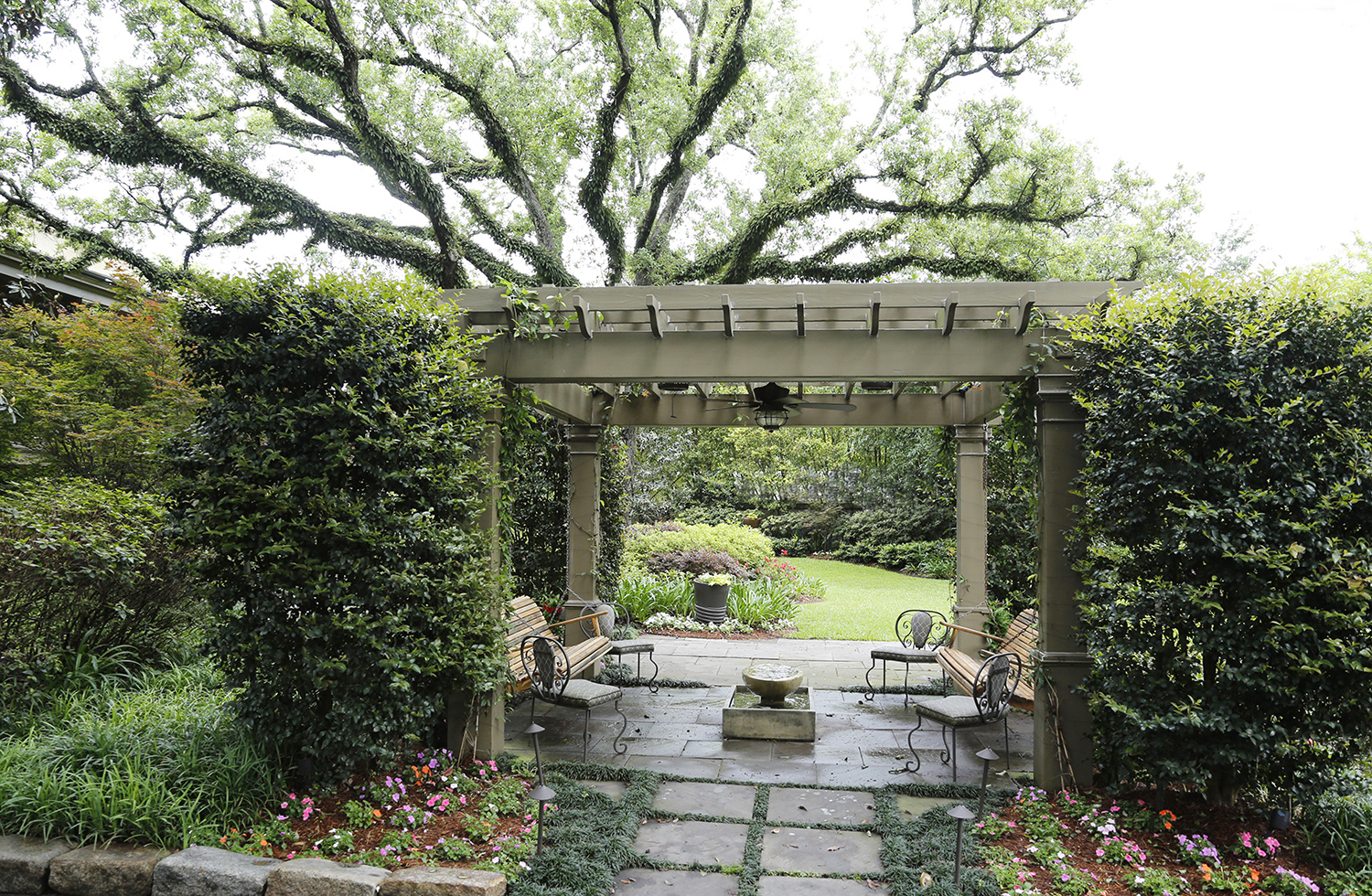 A Garden District Garden