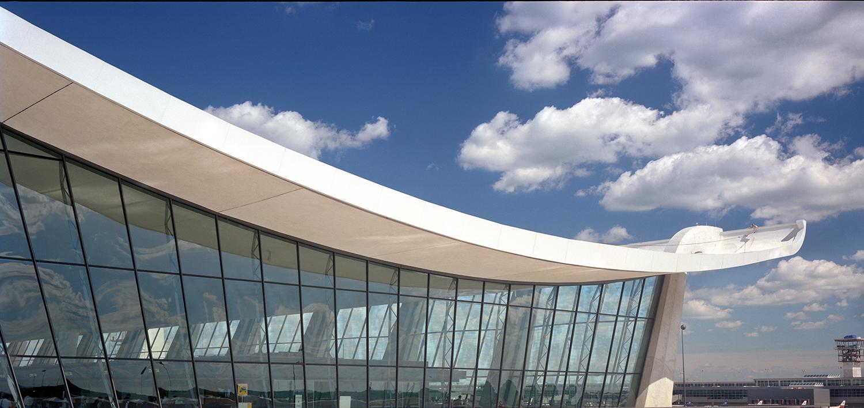 Wing of Saarinen