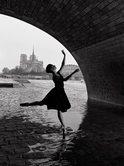 robe-noire-croppé.jpg