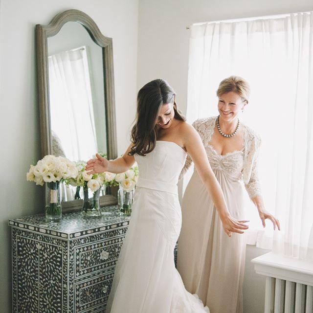 That WOWZA moment when you put on your wedding dress✨ . . . #torontowedding #torontoweddingphotographer #torontoweddingphotography #torontoweddings #bride #brides #documentaryweddingphotography #documentaryweddingphotographer