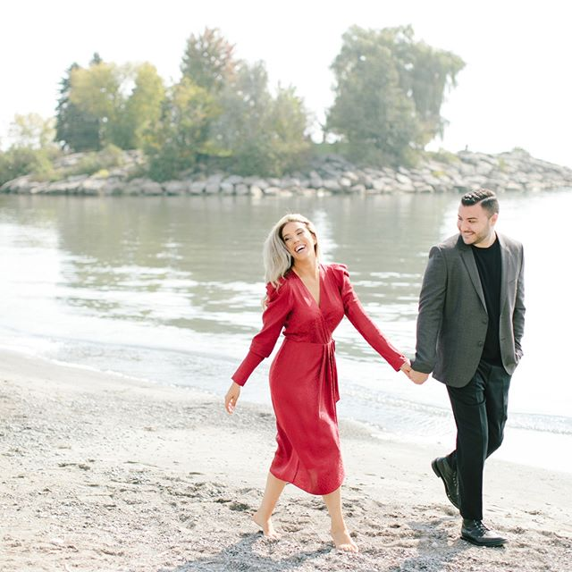 While there's nothing I love more than a gorgeous white gown, today I am inspired by all the boss ladies who are brave and bold enough to rock a red one! ❤️ . . . #torontoengagementphotographer #torontoengagementphotography #torontoengagement #engagementphotos #engagementsession #engaged