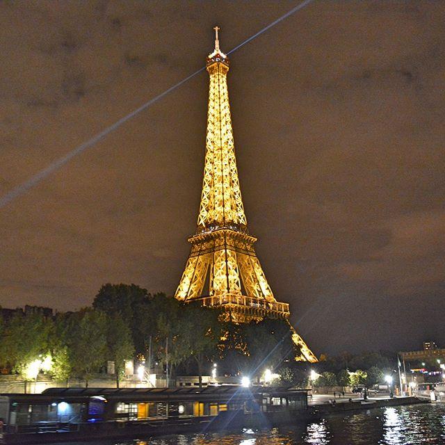 Eiffel Tower by night⠀ .⠀ .⠀ .⠀ #paris #instapassport #travelgram #traveling #travelers #explorer #exploring #wanderer #travelbug #travelblogger #travelphotography #travellife #travelpics #traveladdict #instatravel #instatraveler #passport #vacation #tripstagram #Traveler #Wanderlust #SoloTravels #TLPicks #toureiffel #destinations #luxurytravel #france #visitparis #eiffeltower #eiffel