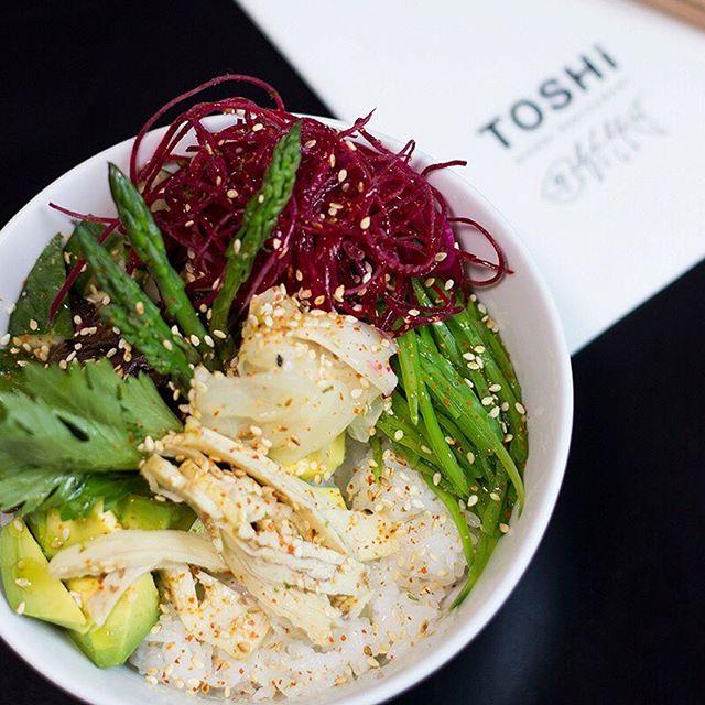 ¡Un poquebowl para este día!😍🔝 Visítanos y elije la opción que desees: ✔️Atún y salmón. ✔️Mariscos. ✔️Vegetariano. ¿Cuál es tu favorito?🤗🤗 . . . . . . #toshi #nikkei #lovefood #love #instagood #makis #sushi #picoftheday #food #igers #instagram #instamood #photography #foodporn #instapic #instafood #instacool #gastronomy #foodstagram #peruvianfood #comidajaponesa #japanesefood #Lima #Peru #gourmet #toshifans #trendy #instafoodies #fooddies