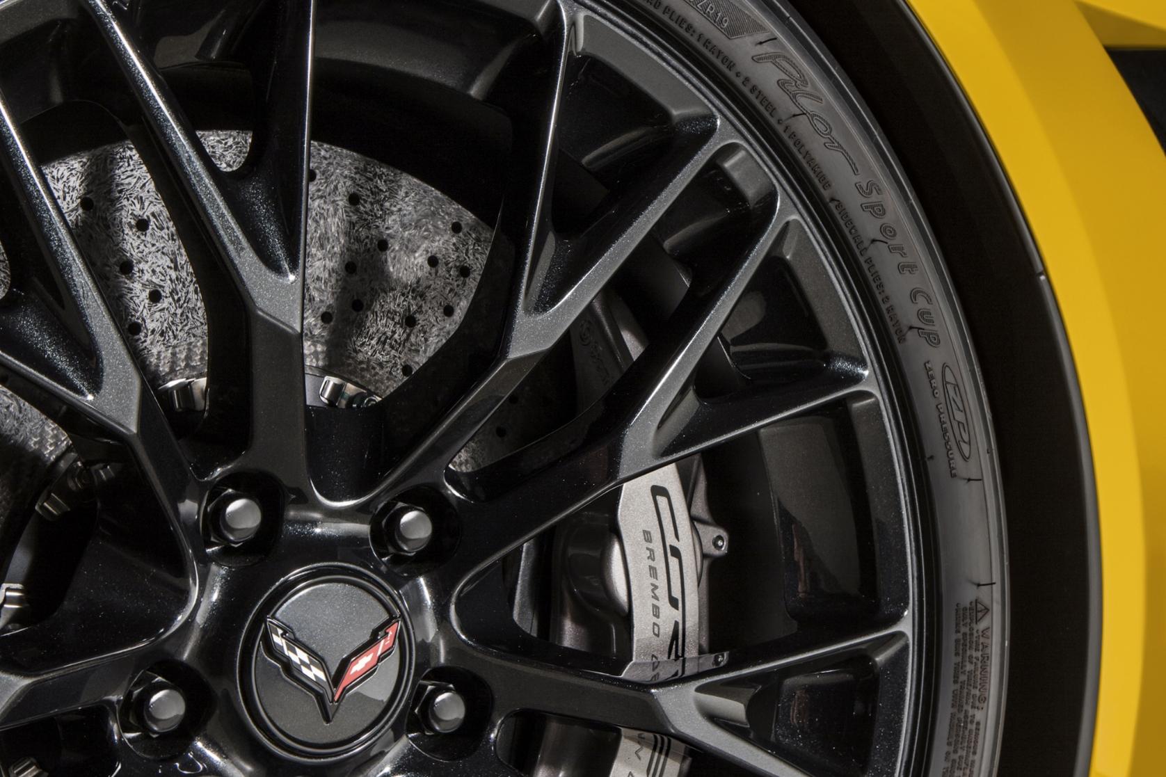 2015-Chevrolet-CorvetteZ06-033.jpg