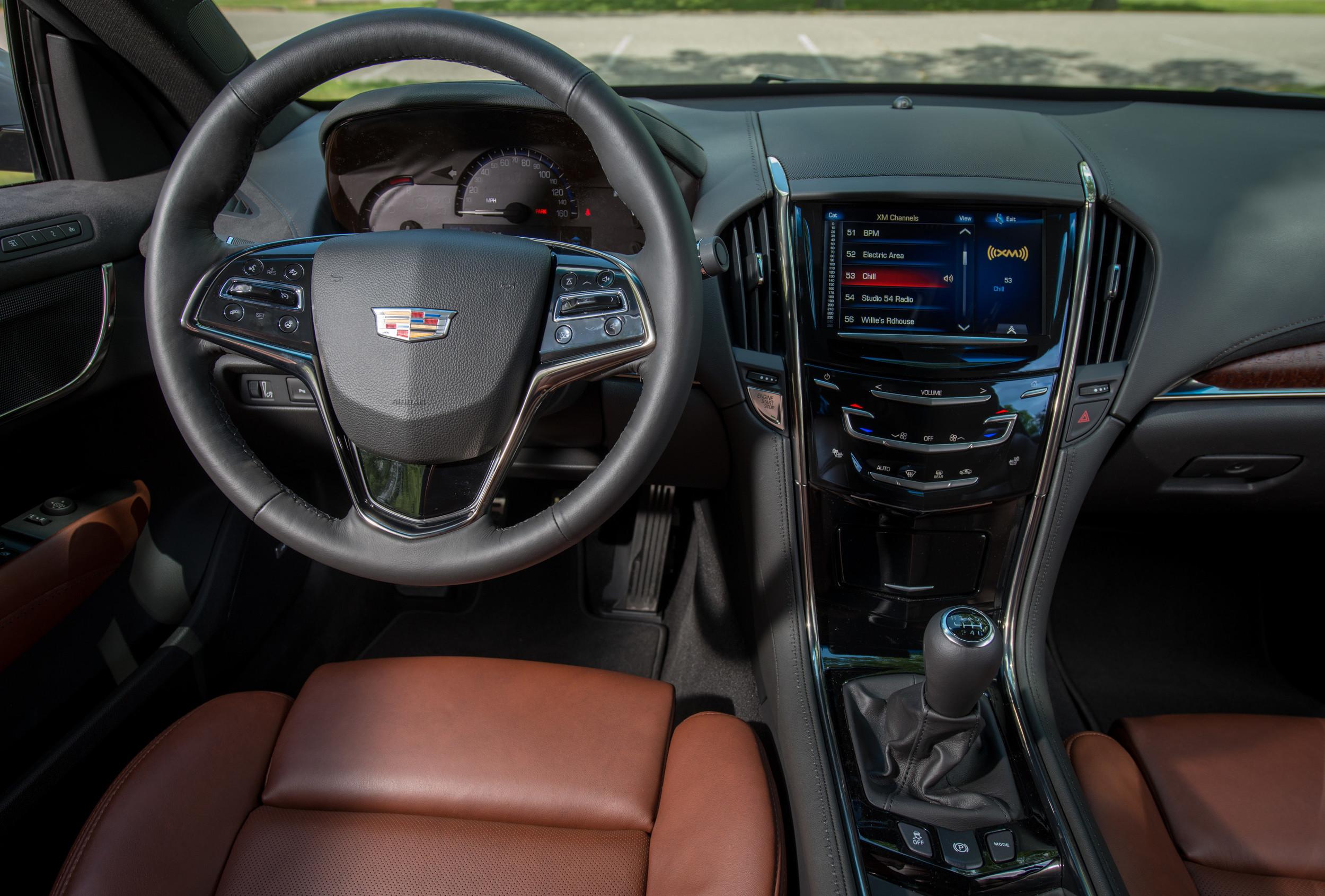 2015-Cadillac-ATScoupe-059.jpg