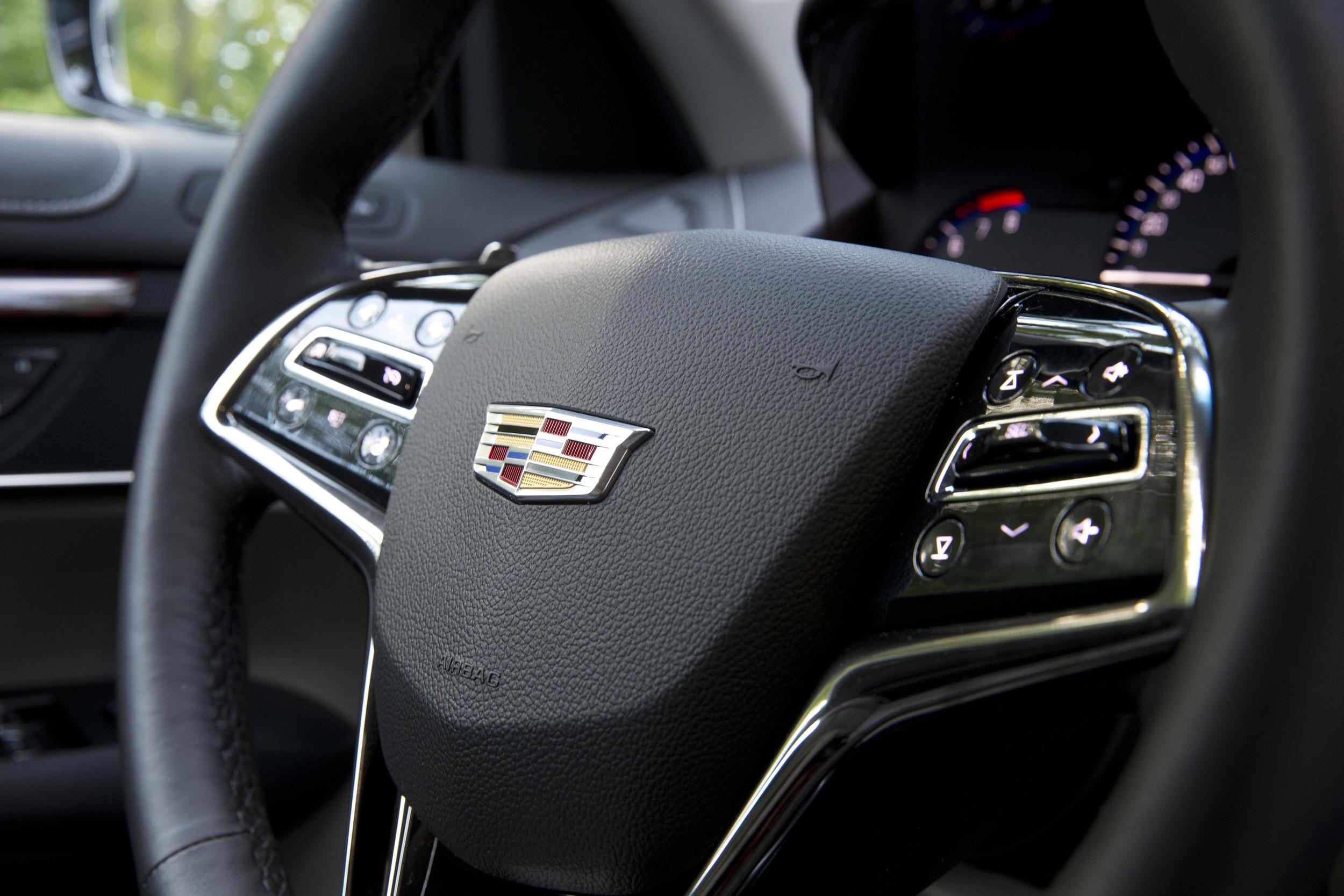 2015-Cadillac-ATScoupe-086.jpg