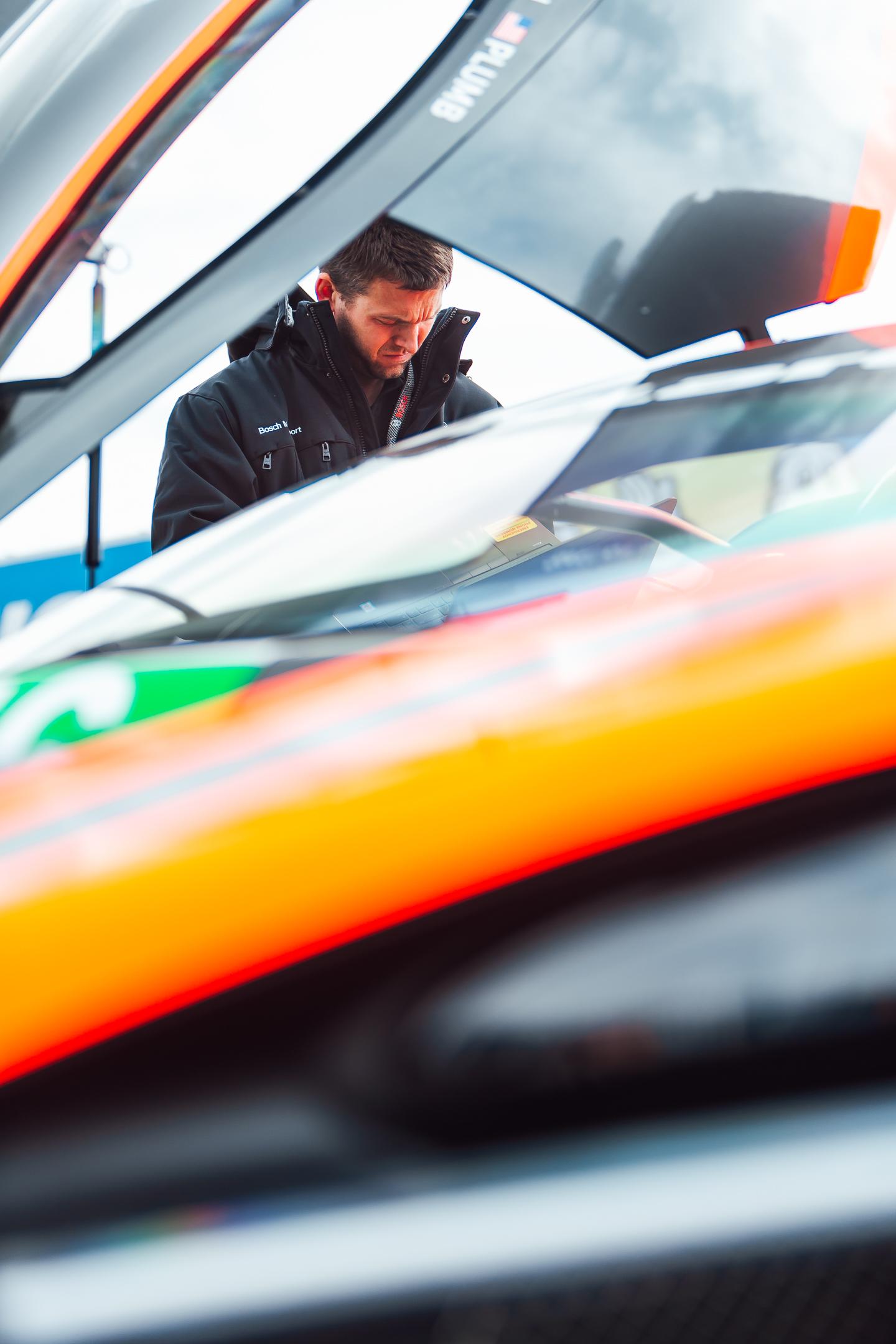 McLaren 720S GT3 - Compass Racing-7884.jpg