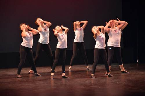Laura Sisco Creative Edge Dance Studio Montauk Amagansett East Hampton Classes Team Ballet Tap Jazz Hip-hip amagansett east hampton