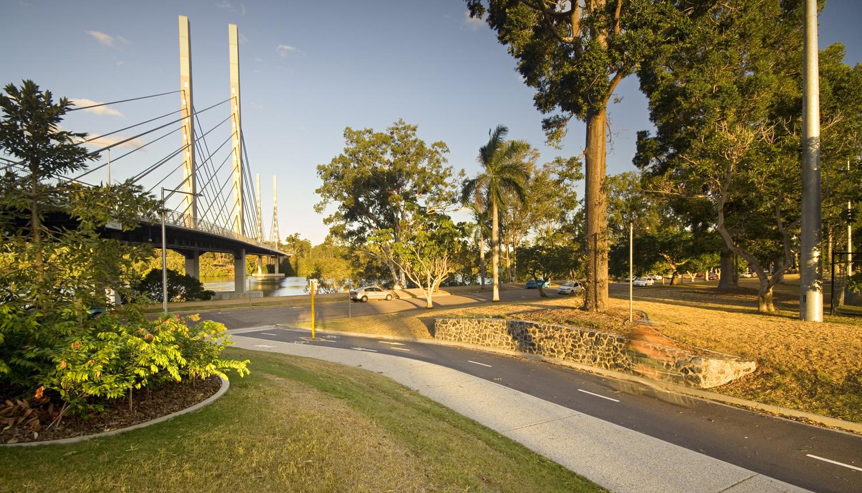 ES Bridge_02.jpg