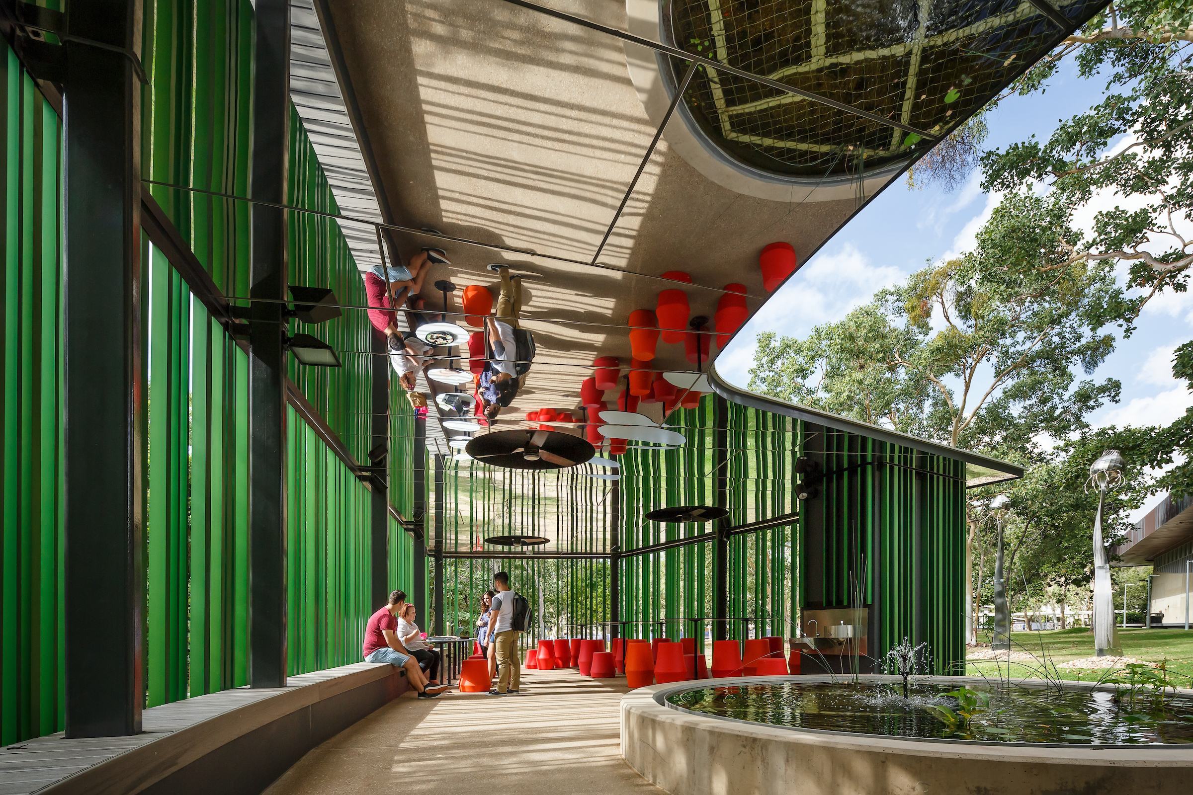 Outdoor Learning Spaces; James Cook University, Verandah Walk