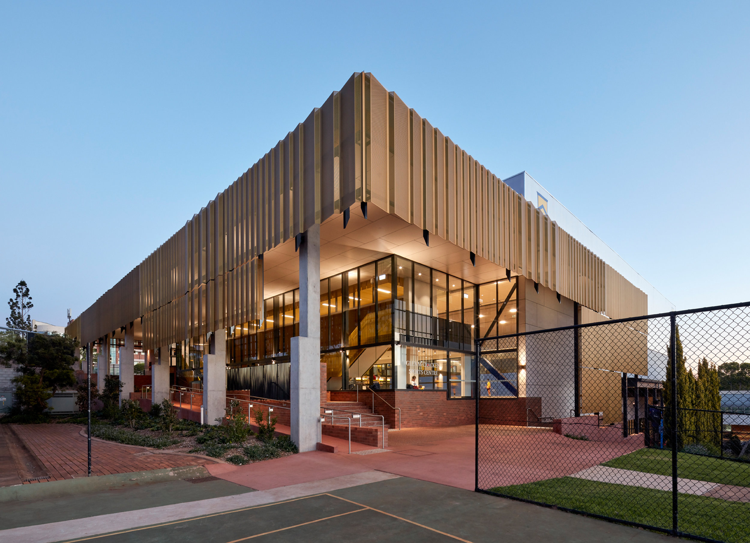 3002-educational_ToowoombaGrammarSchoolGymnasium_WilsonArch_CFJ_05.jpg