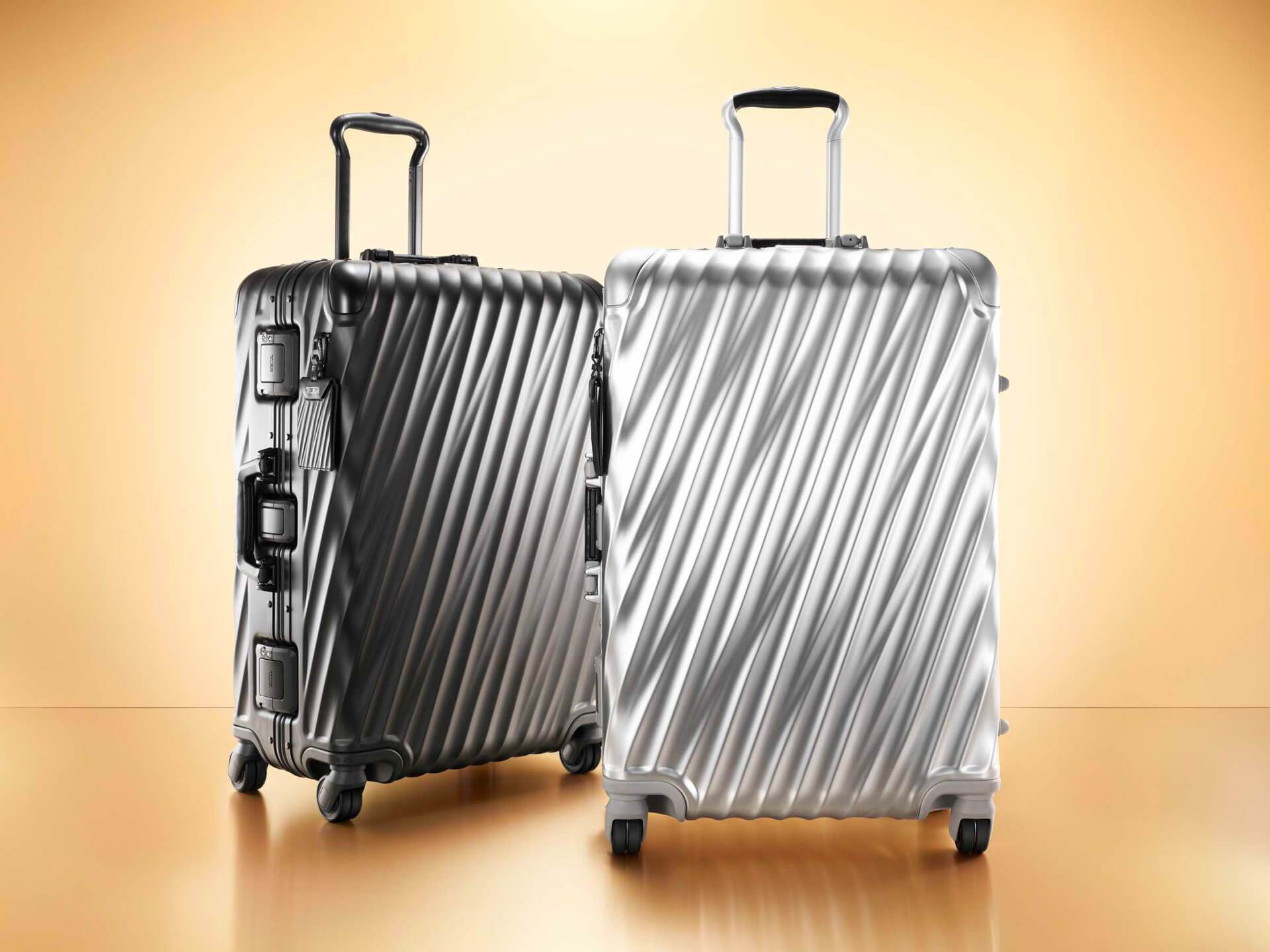 TUMI-19-Degree-Aluminum-Luggage-Collection.jpg