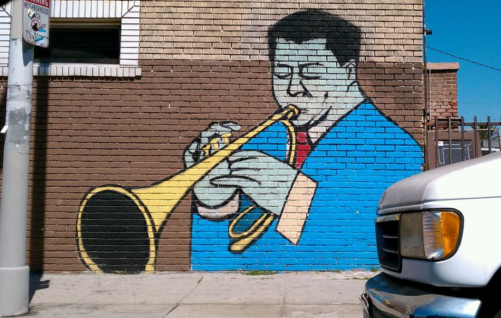 41st and Central, midnight serenade. Amazing Mural. I don't know the Artist who painted this. But it's just lovely.