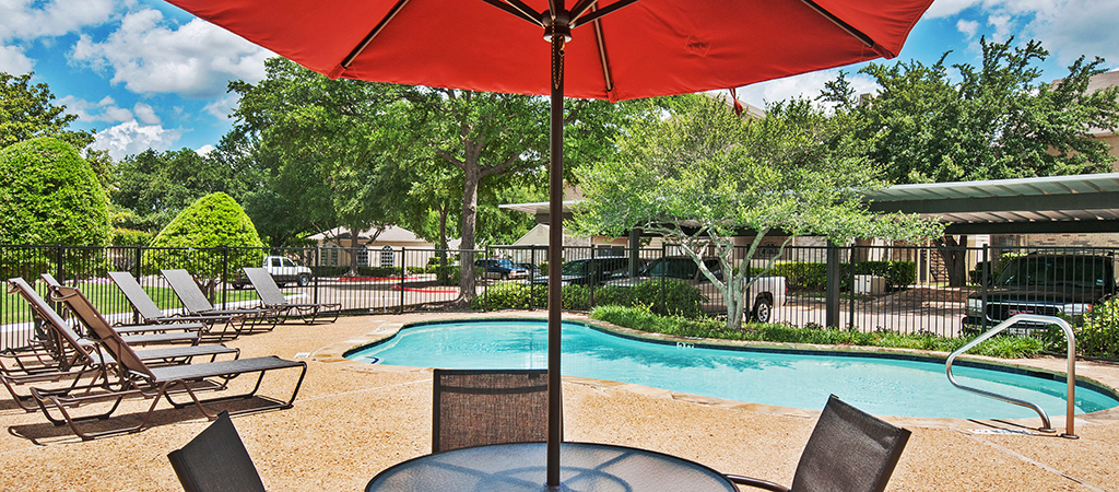 Waterford-on-the-meadow_Plano_Pool-2-HDRedit-450.jpg