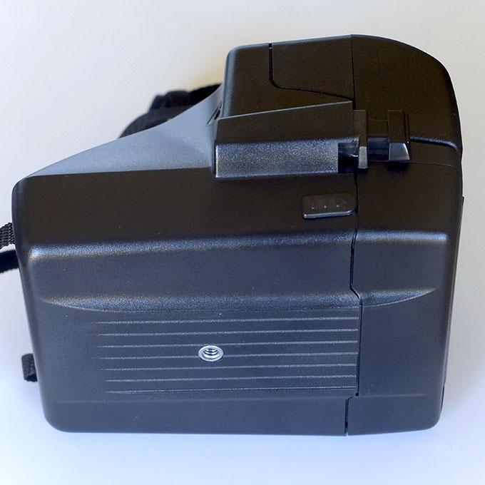 Polaroid 600 laterale e fondo