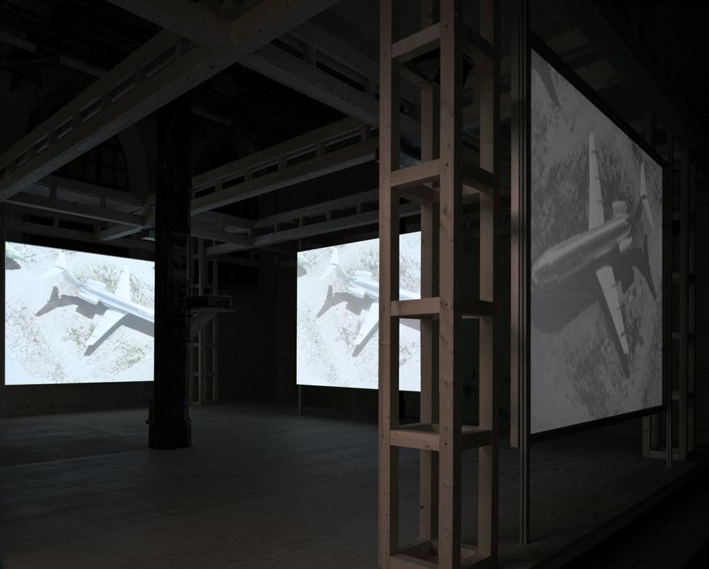 Doug-Aitken-glass-era-012.jpg