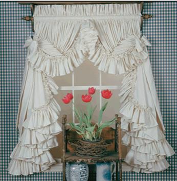 Dorothy's Orignials Single Ruffle Curtain.
