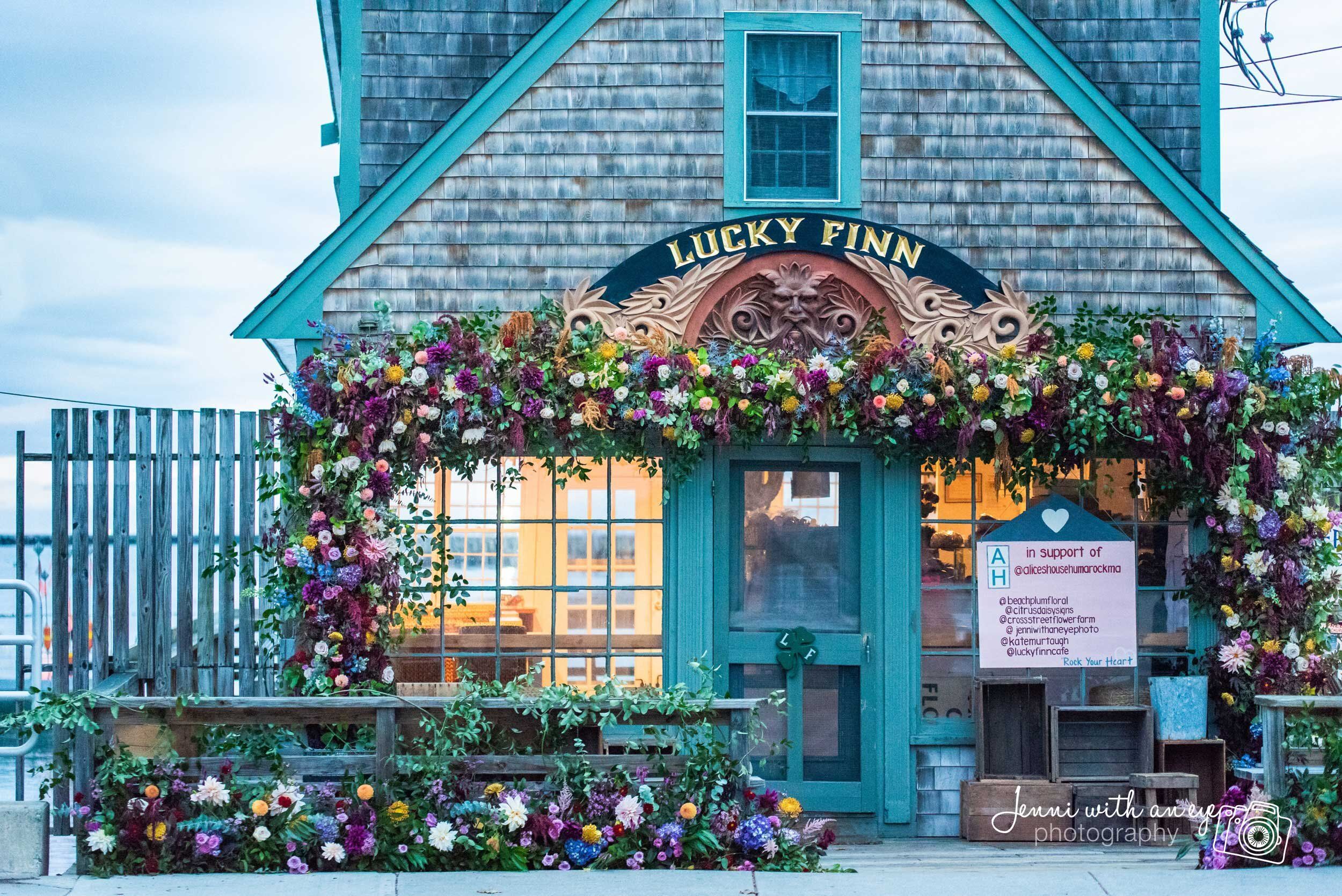 Live Floral Installation by  Beach Plum Floral  (Fall 2018)