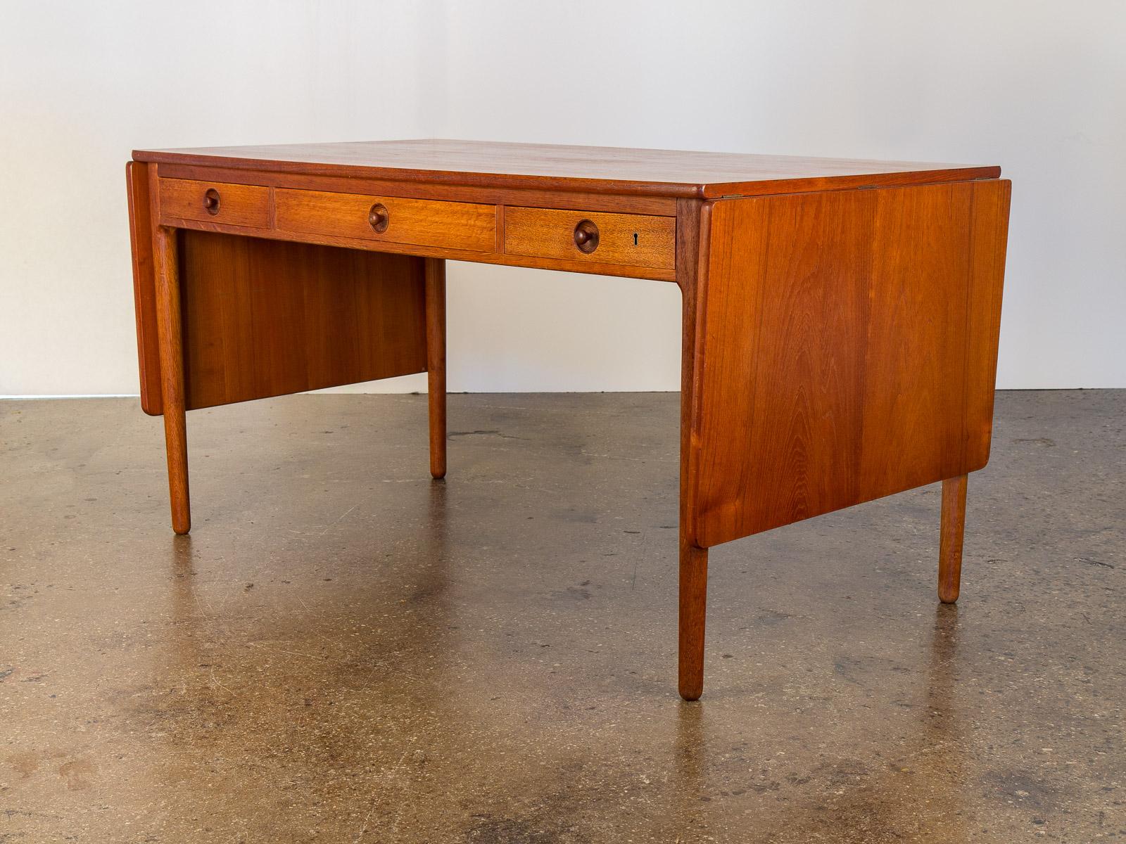 Hans J. Wegner AT-305 Pencil Desk
