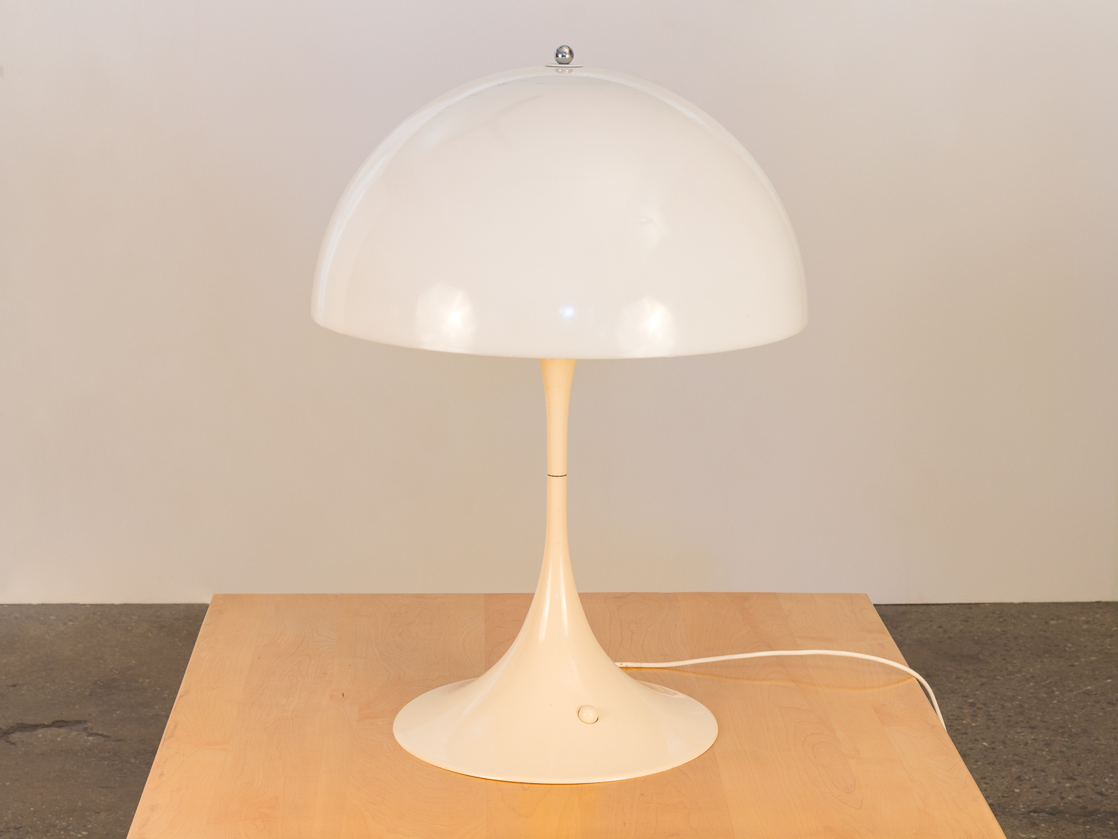 Verner Panton Panthella Lamp