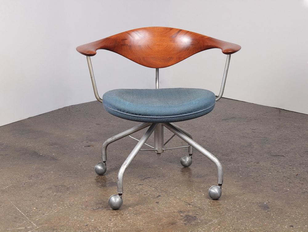 Hans J. Wegner Swivel Chair