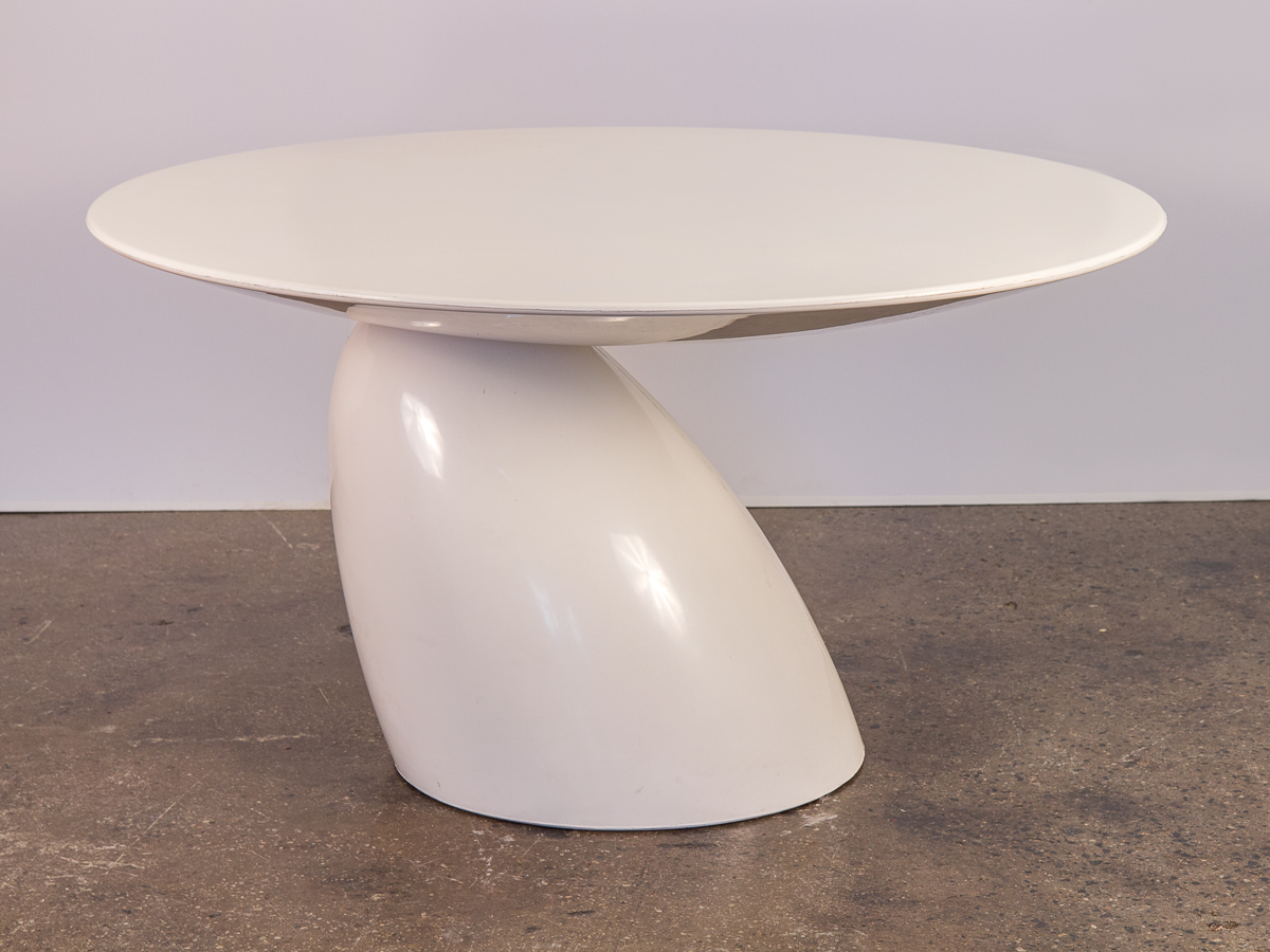 Eero Aarnio Parabel Round Pedestal Table