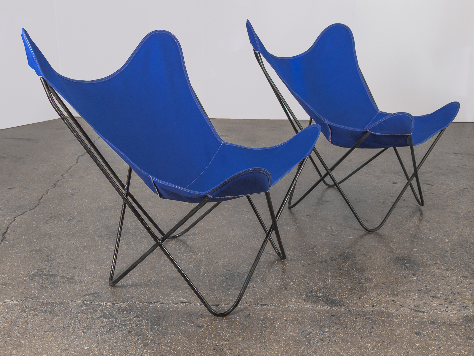 Pair of BKF Hardoy Butterfly Chairs for Knoll - Cobalt ...