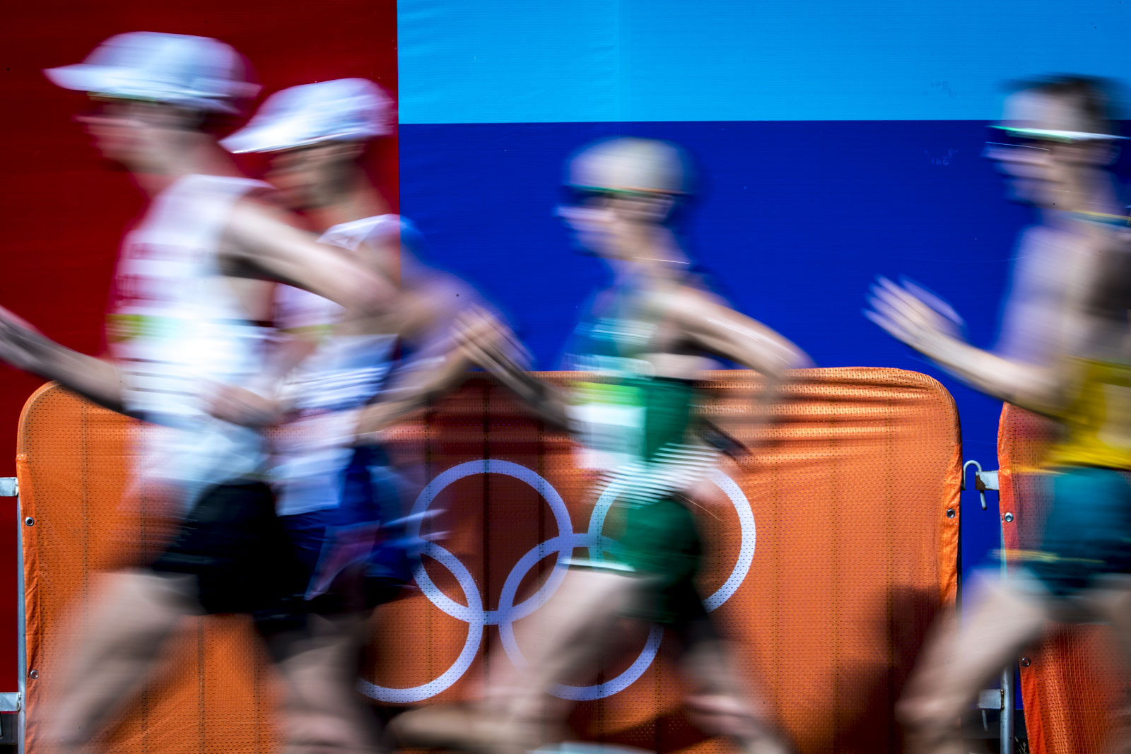 Team Canada's Evan Dunfee compete in the men's 50km race walk at Pontal Beach, Rio de Janeiro, Brazil, Thursday August 18, 2016.    COC Photo/David Jackson