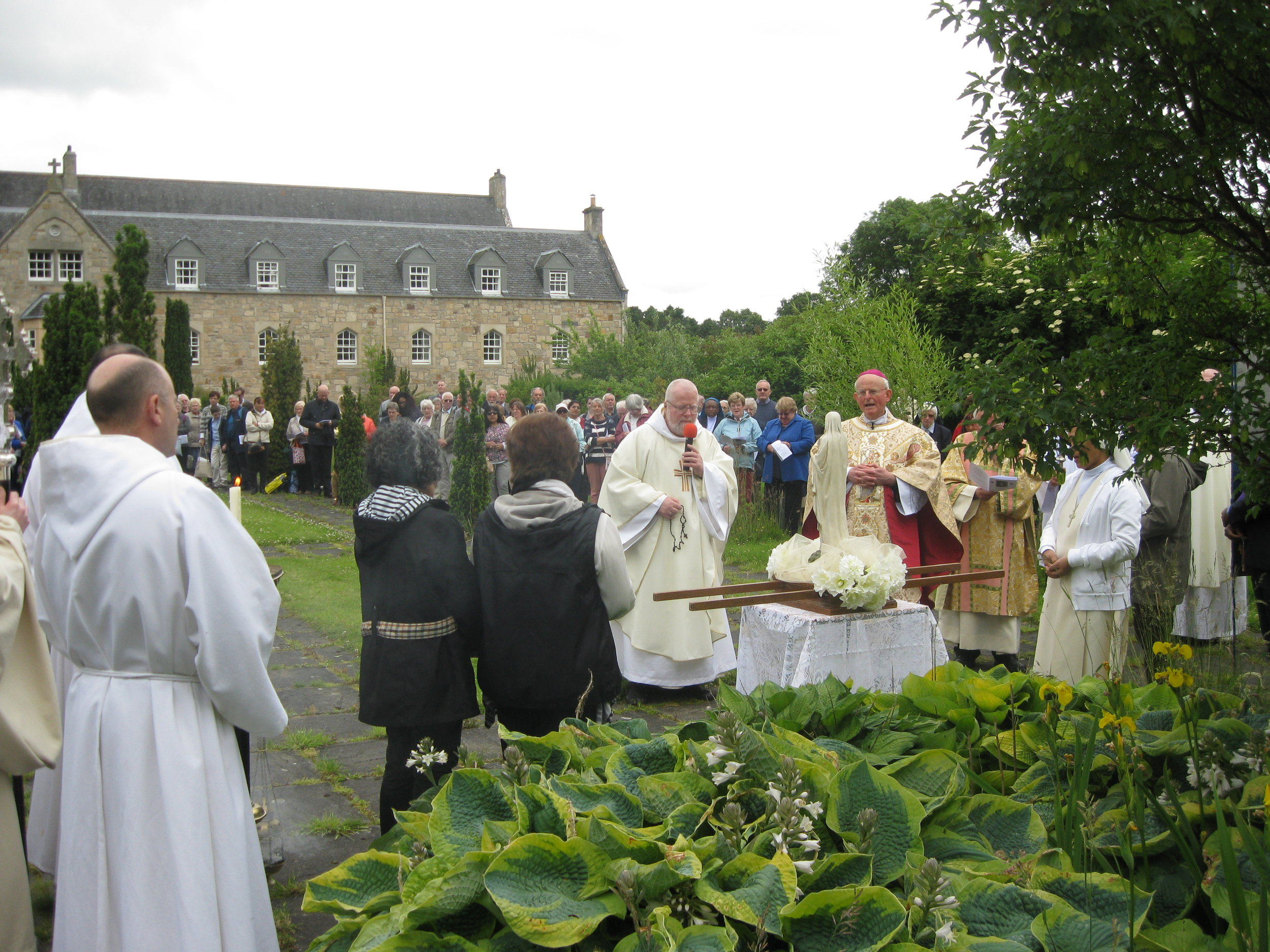 Fr. Abbot leads the rosary 2