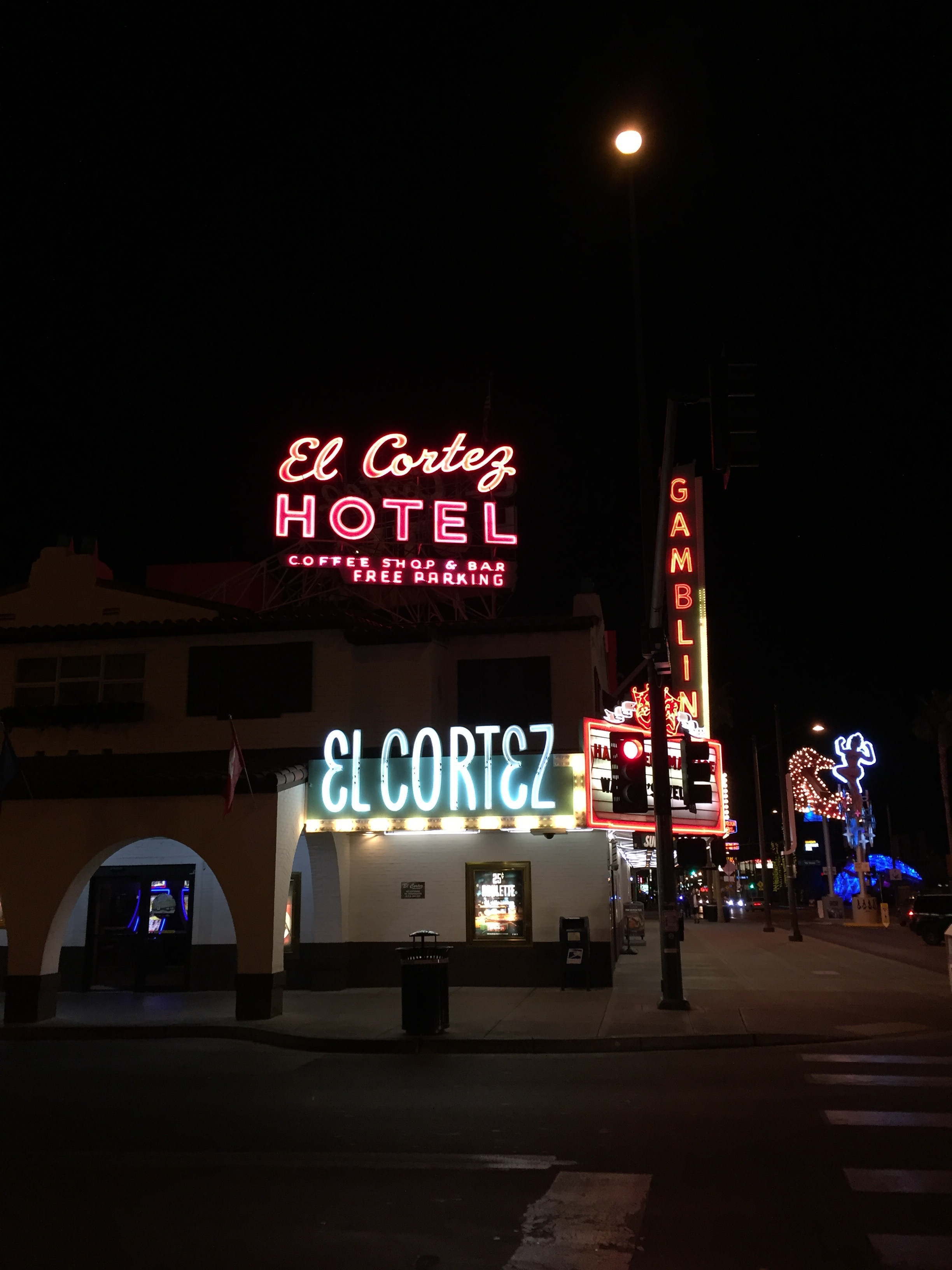 There's something great about hanging out in Downtown Vegas, it's still seedy enough to make the night feel like an adventure, but gentrified enough to easily find a decent cocktail and meal.