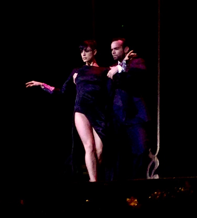 After watching hours of Tango, I think it's time to find some lessons. Photos can't capture the beauty and sheer sexiness of the dance. If you find yourself in Buenos Aires, promise me you will see a show.