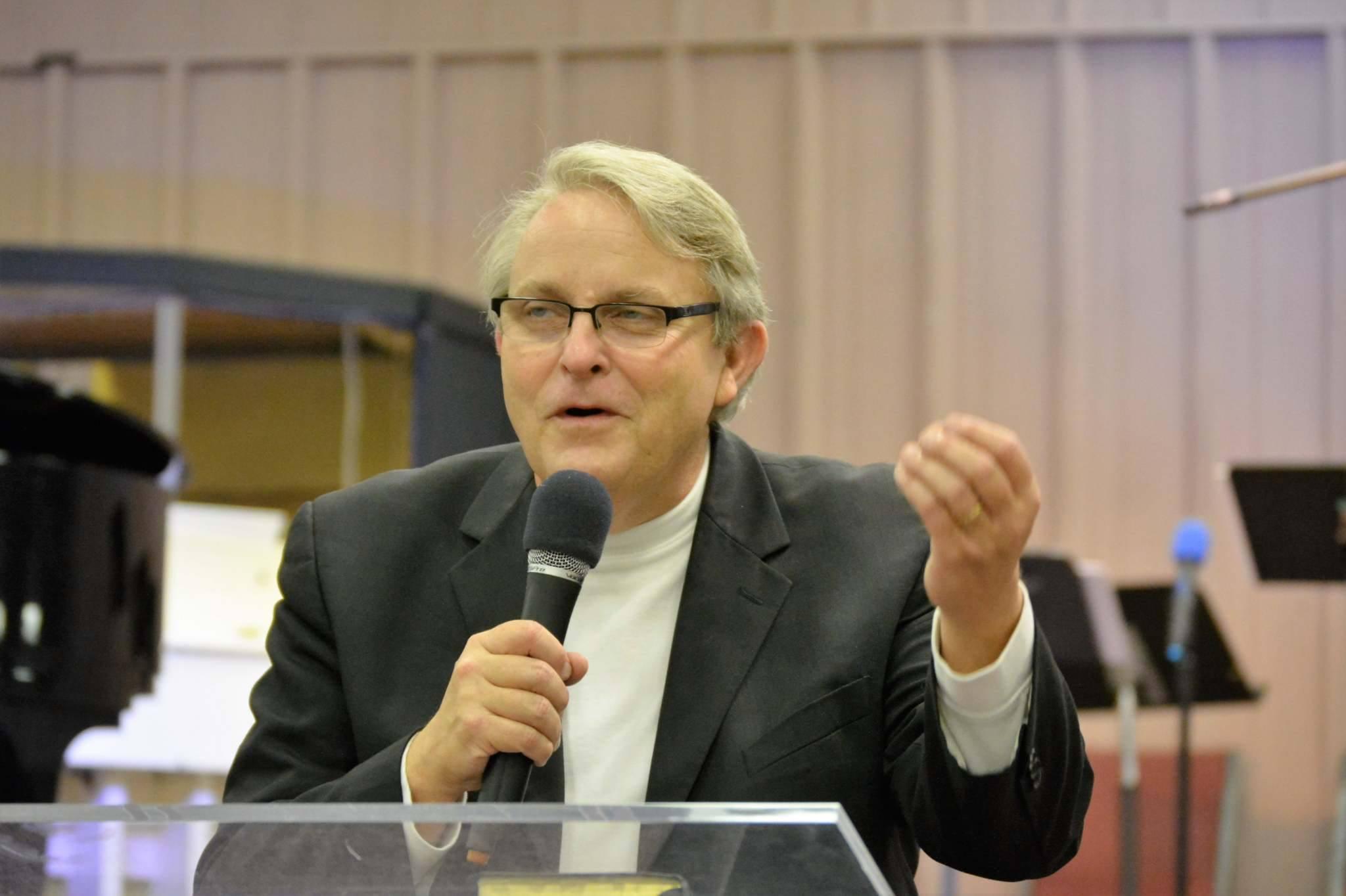 Terry Tramel speaking.jpg