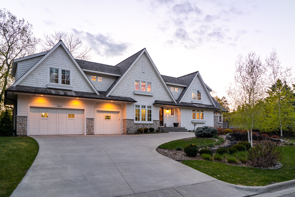 5504 Lakeview Drive Twilight MLS-3.jpg