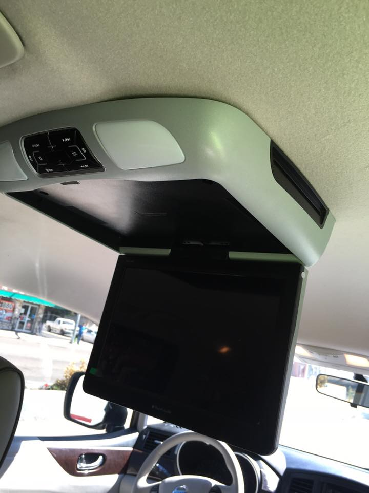 Get a new car video player in Escondido
